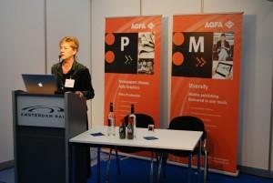 Reinhilde Alaert zaprezentowała nowości Agfa Graphics w obszarze produkcji gazetowej, m.in. rewolucyjne zdaniem firmy rozwiązanie Attiro